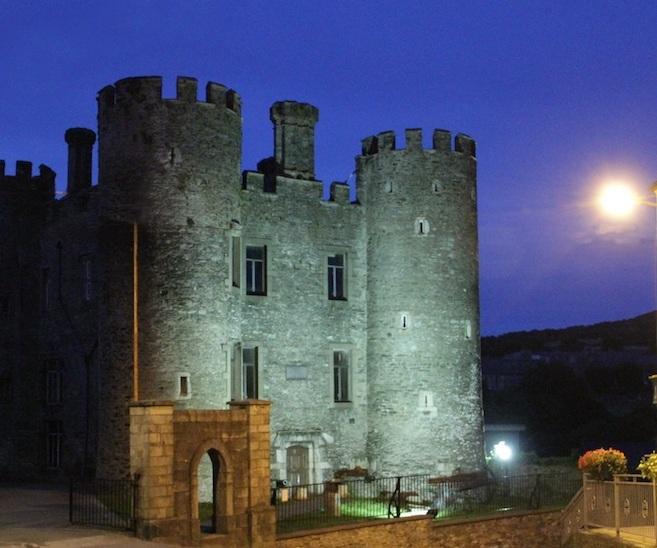 castle-night